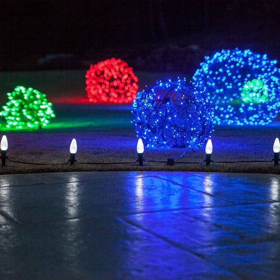 blue-christmas-light-balls-2743.jpg