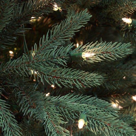 7.5' Full Pre-lit Noble Fir Tree, 1000 Clear Lamps