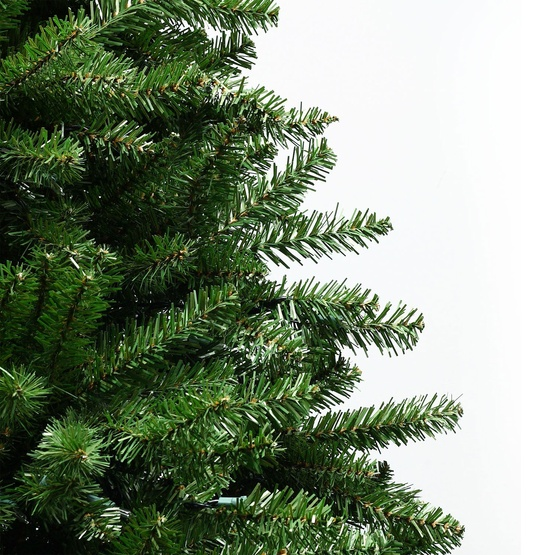7.5' Slender Douglas Fir Tree, 600 Clear Lamps