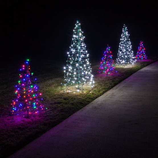 Led Lights For Outdoor Trees : Lighted Cool White LED Outdoor Christmas Tree