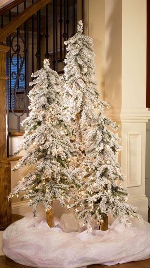 4' Flocked Alpine Tree, 100 Clear Lamps