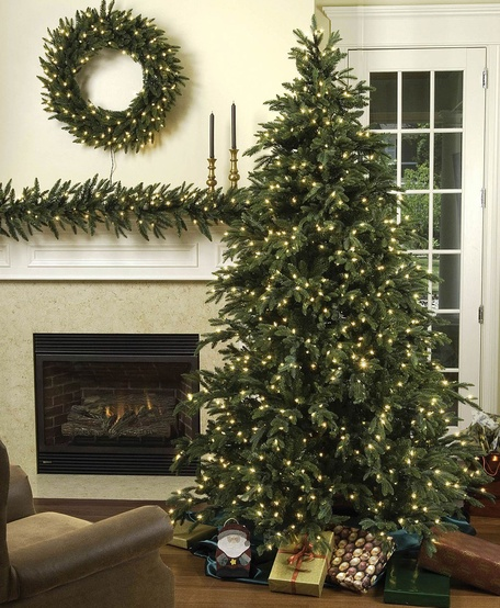 12' Full Carolina Fir Tree, 2200 Multicolored Lamps