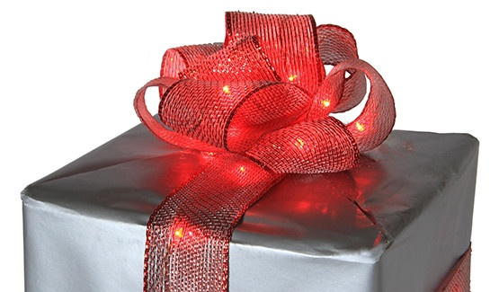 Add ribbons lights to your bow to complete your lighted gift box diy!