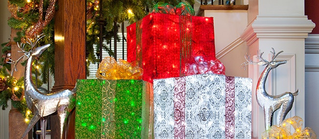 diy christmas decorations 4 lighted gift boxes - Christmas Gift Box Decorations