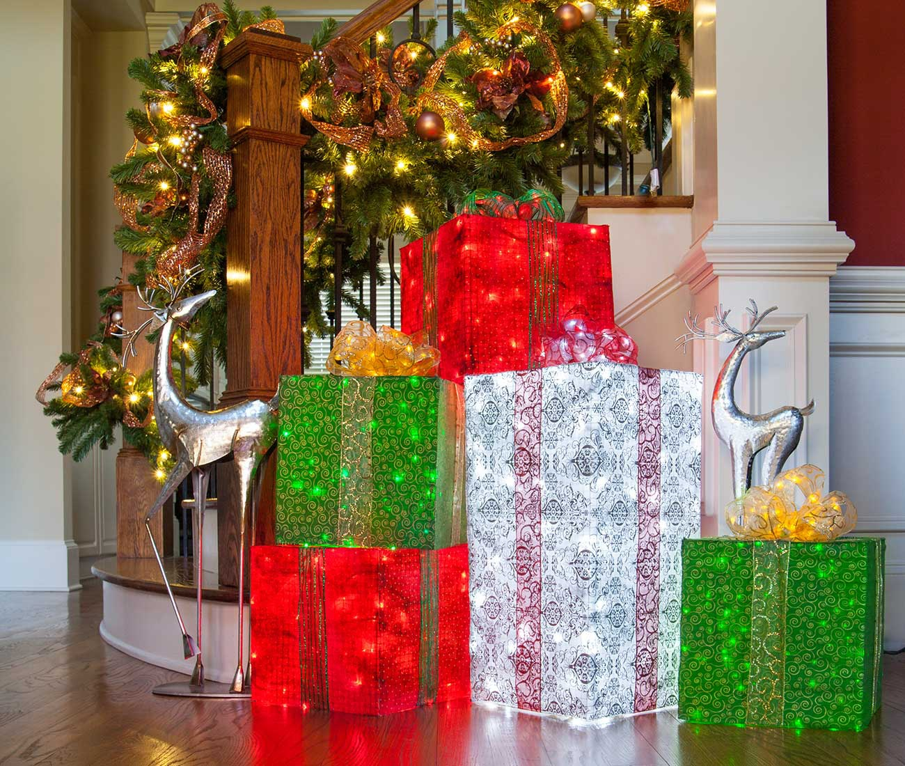 diy lighted gift boxes outdoor christmas decorations