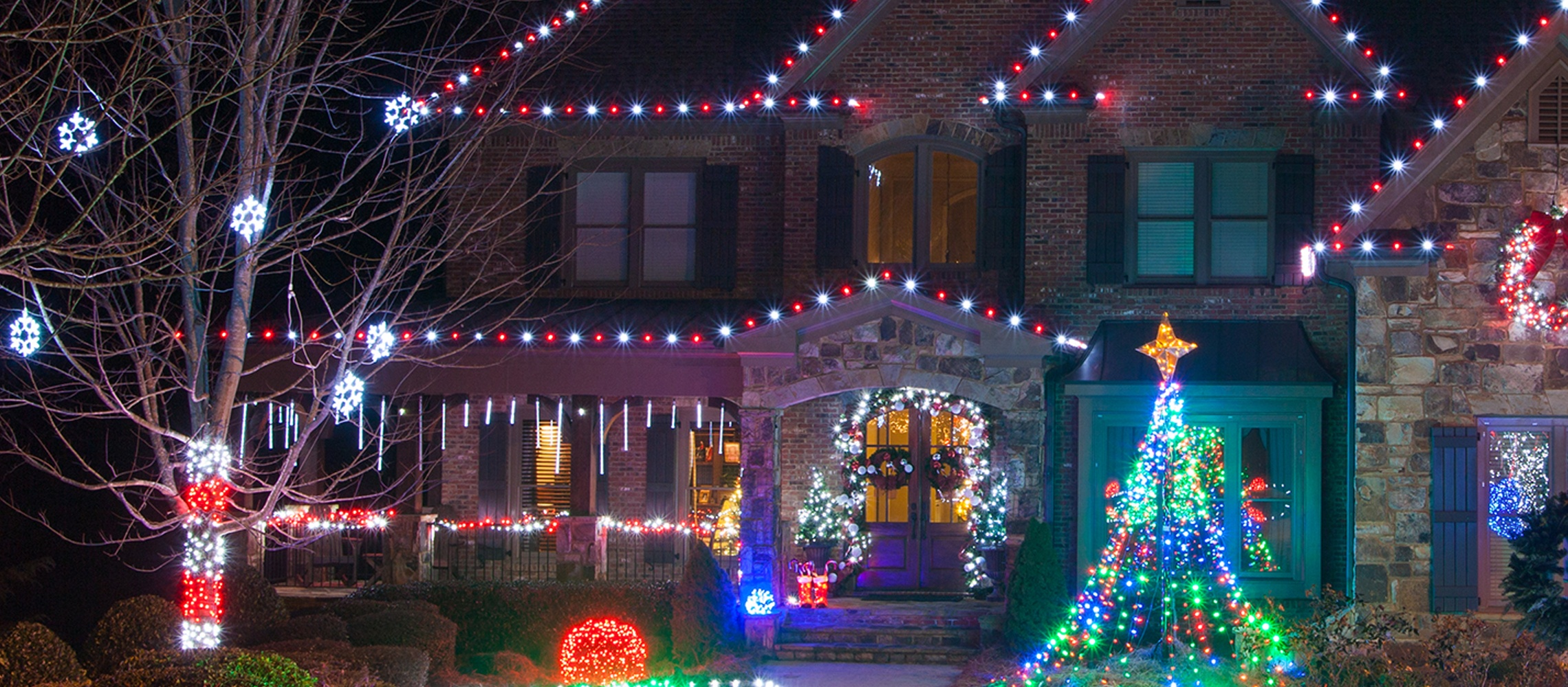 grand cascade roof lights image9jpg - Christmas Lights Decorations Outdoor Ideas
