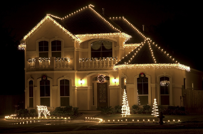 white christmas lights for the roof exterior lighting ideas