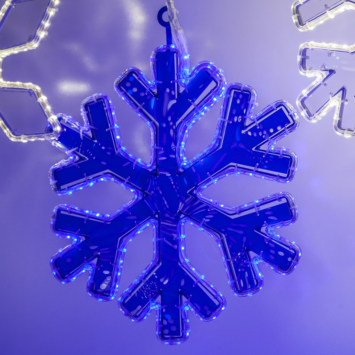 Reflective Center Snowflake Lights