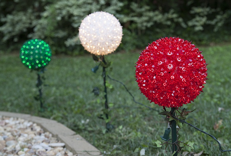 Starlight Sphere Walkway Stake Lights