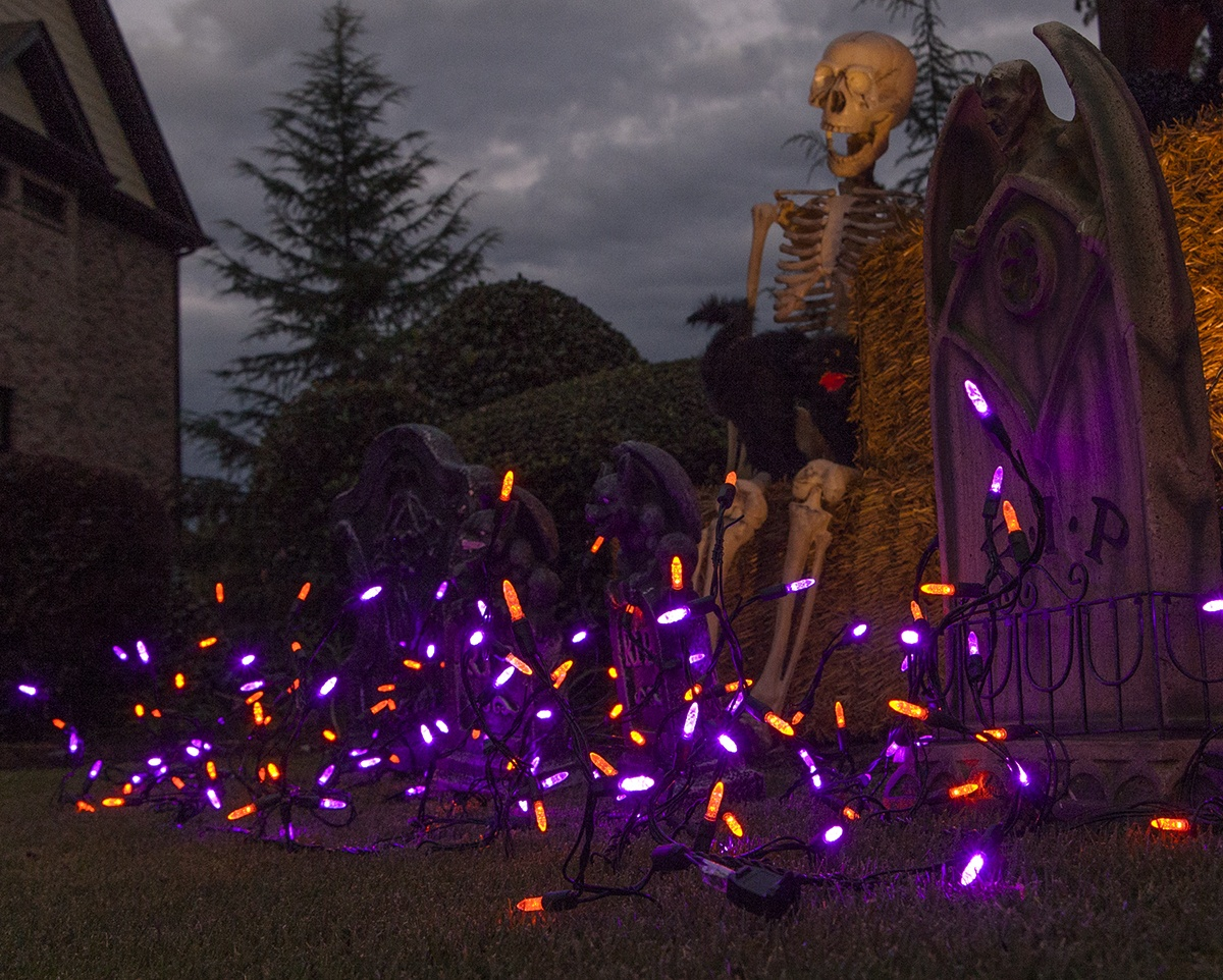 Halloween Icicle Lights Graveyard Scene