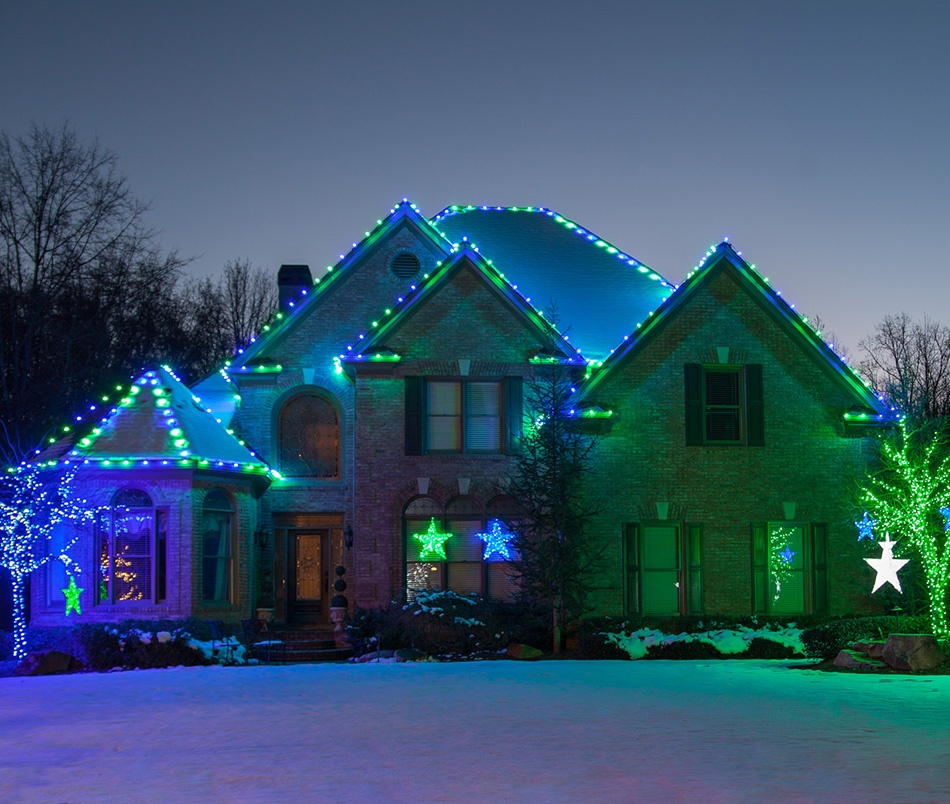Outdoor Christmas Lights Ideas For The Roof