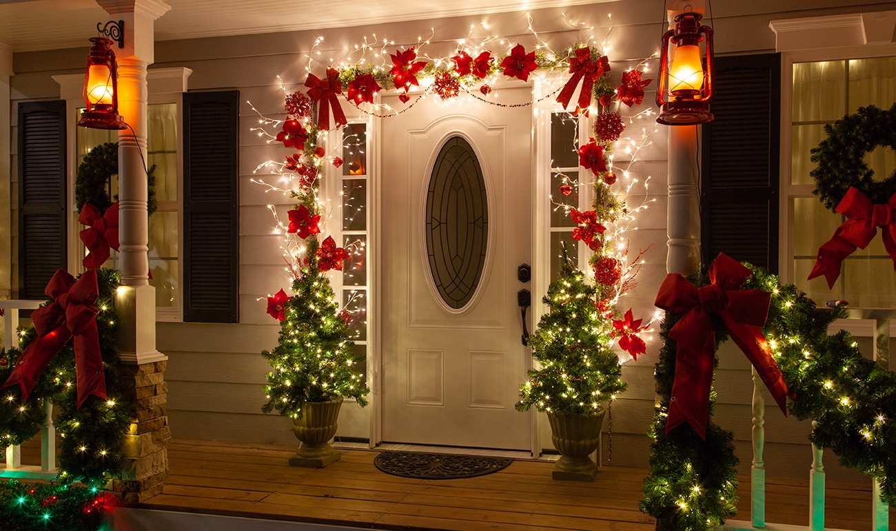 Climbing Vine Lighted Branches Christmas Door Decoration