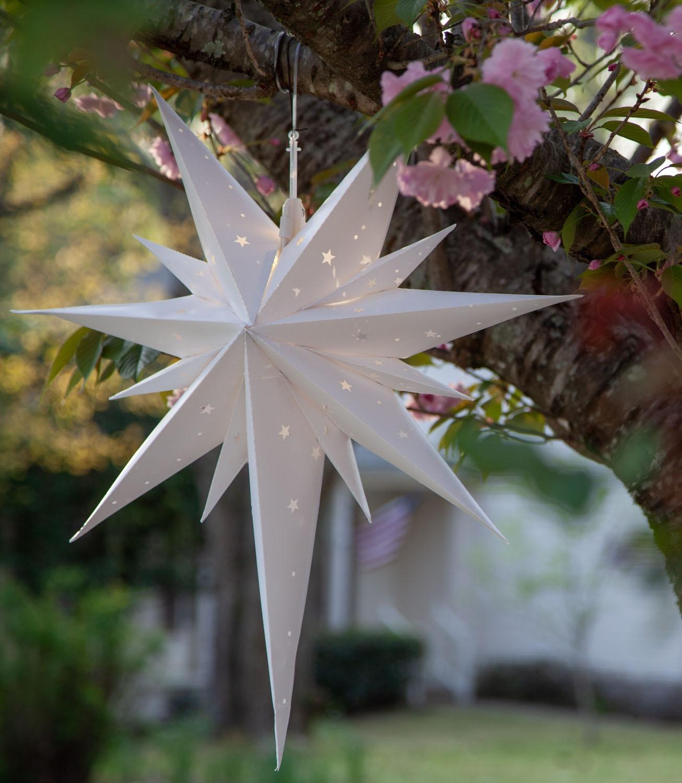 White Bethlehem Aurora SuperStar Tree Lights