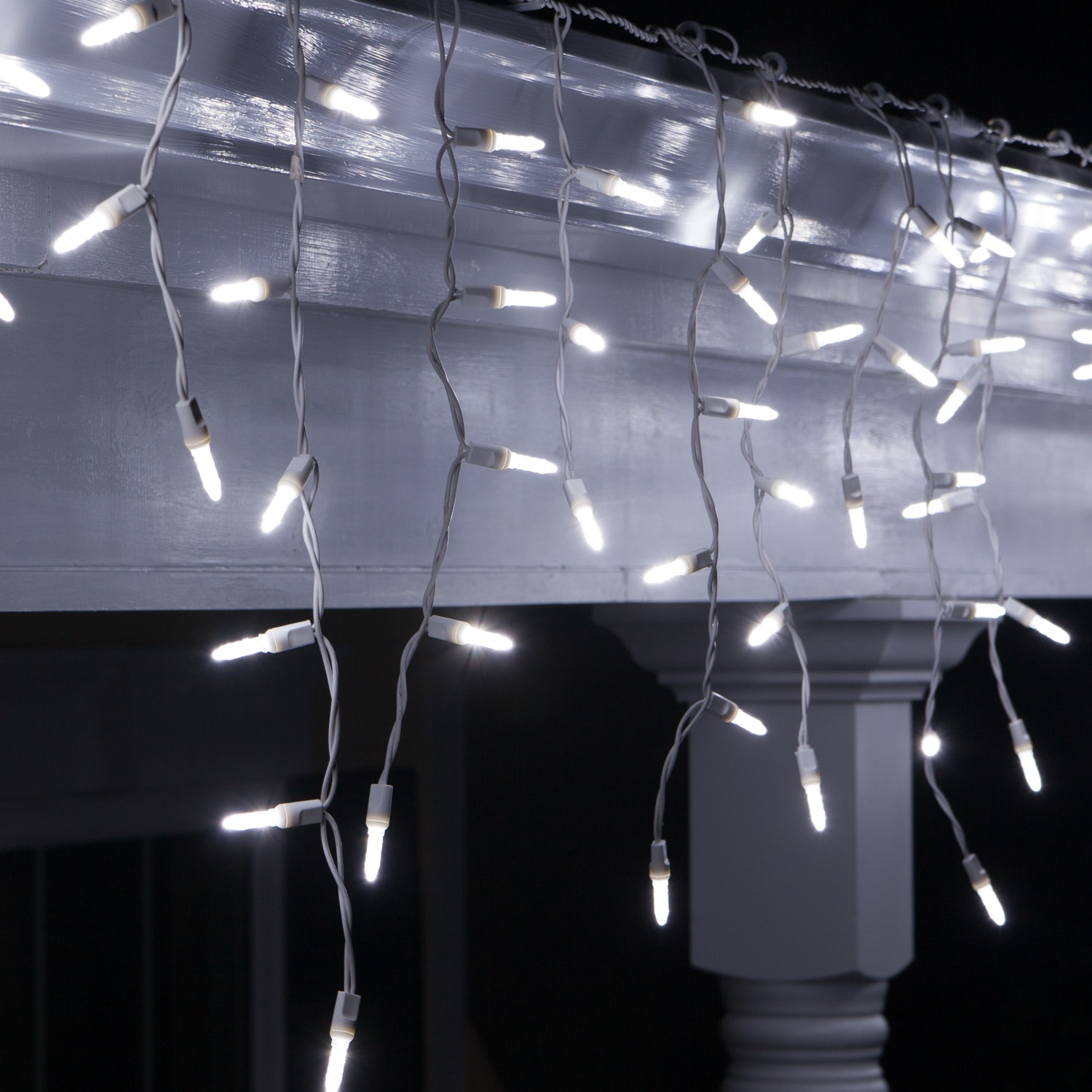 LED Christmas Lights - 70 M5 Cool White Twinkle LED Icicle Lights