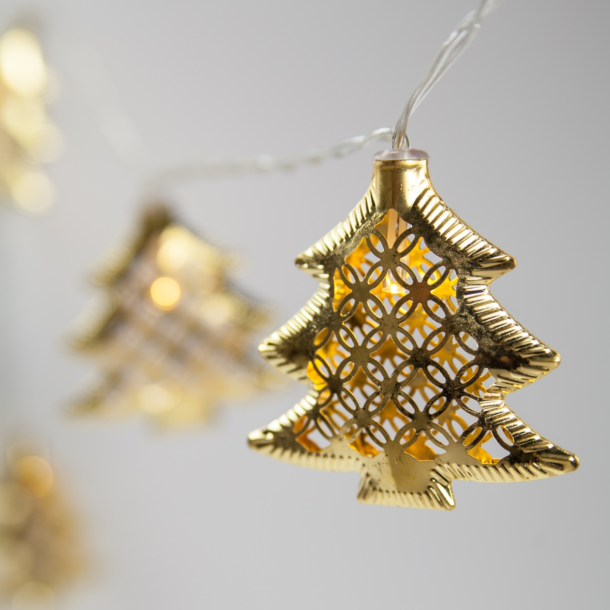 String Lights In Trees: Battery Operated LED Golden Metal