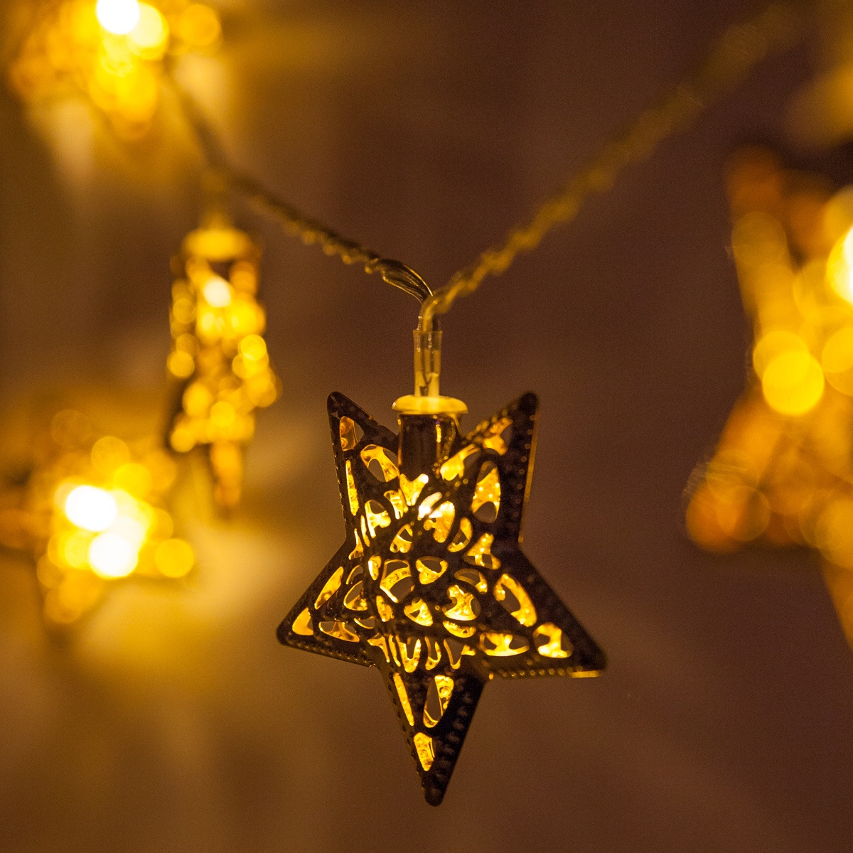 Battery Operated LED Golden Metal Star