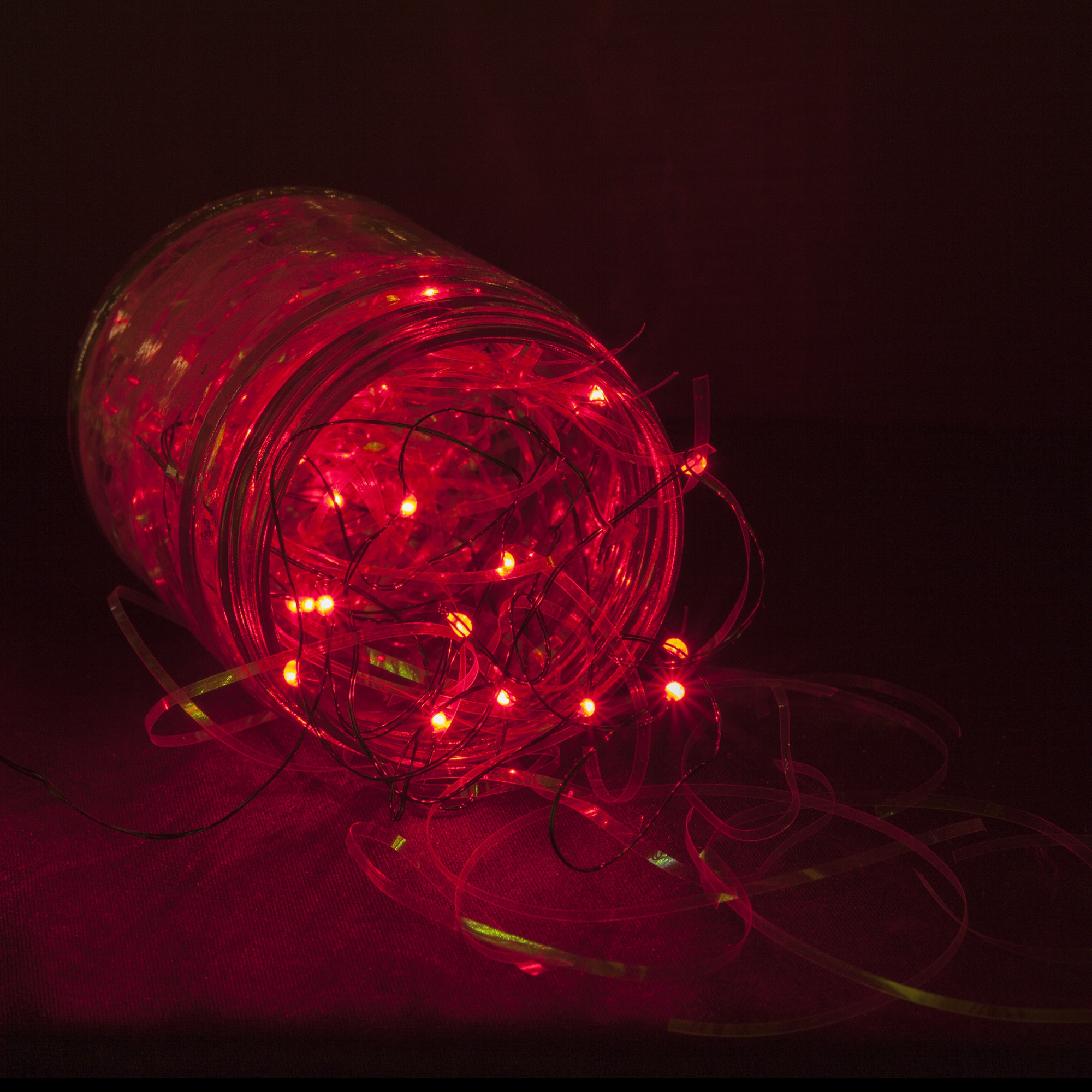 Attractive 18 Red Battery Operated LED Fairy Lights, Green Wire Amazing Design