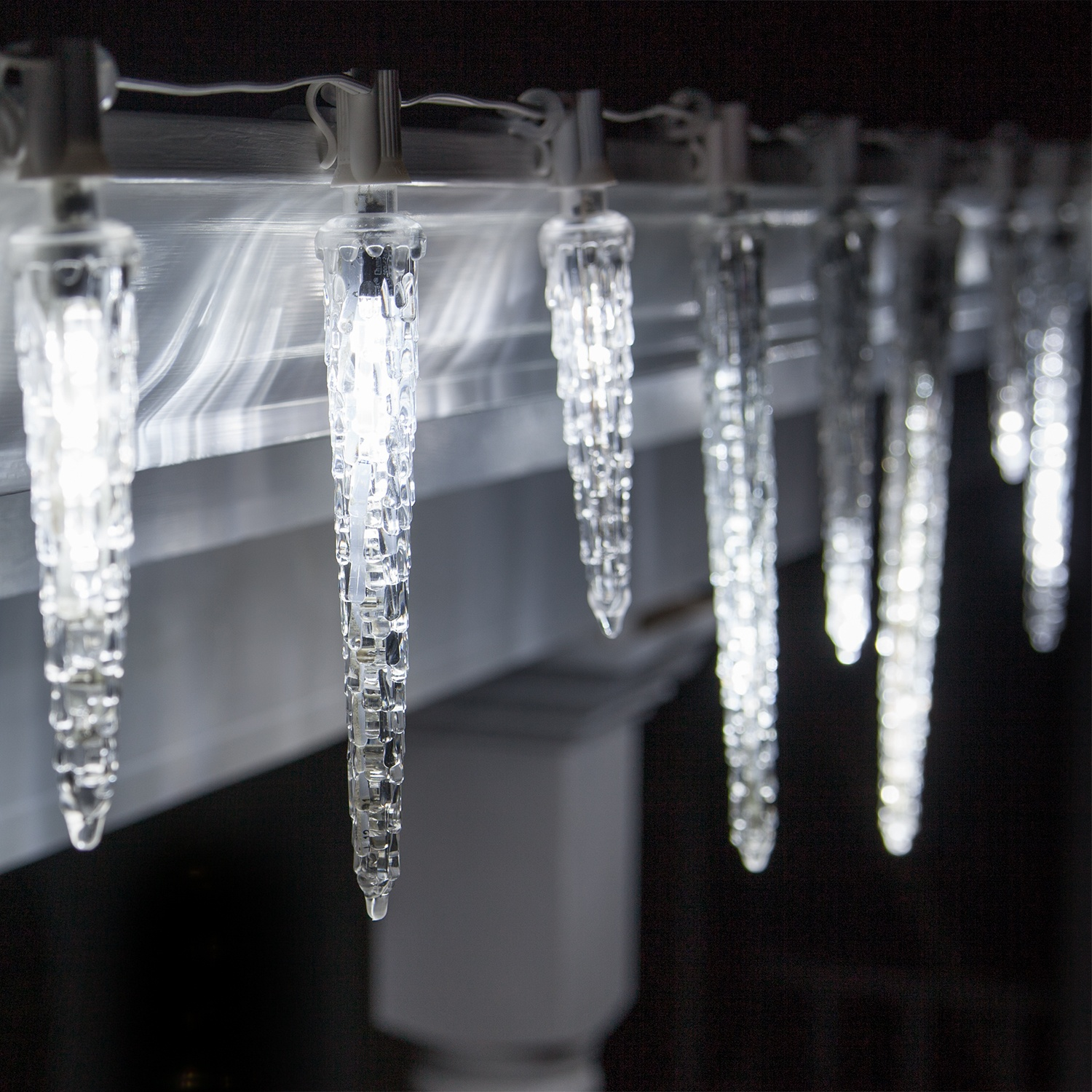 Falling Icicle Cool White LED Christmas Light Bulbs