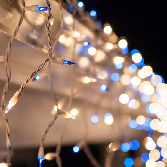 Christmas Icicle Light - 150 Clear/Blue Icicle Lights - White Wire